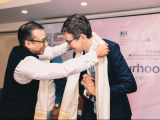 Mr. Sabyasachi Dutta, Executive Director, Asian Confluence felicitating Mr. Kieran Drake